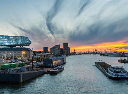 Le trafic de conteneurs limite les dégâts pour le Port d'Anvers